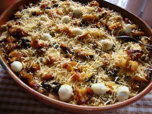 El pirarucu de casaca es un plato tradicional del norte de Brasil.