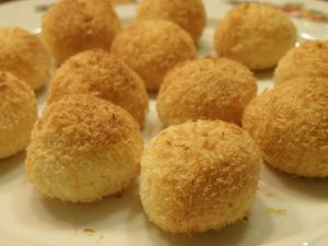La cocada es el dulce típico de Brasil.