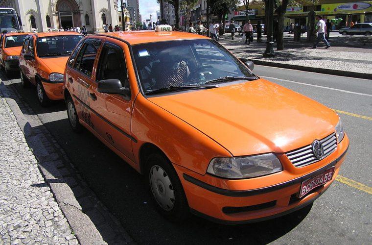 Taxi en Curitiba, Brasil
